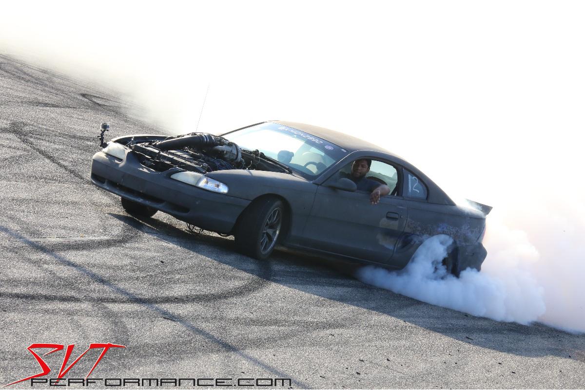 10-Mustang-Week-2016-SVTP-Burnout-Contest_Khion-Kittle.jpg