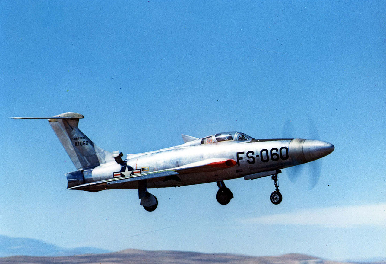1280px-Republic_XF-84H_in_flight.jpg