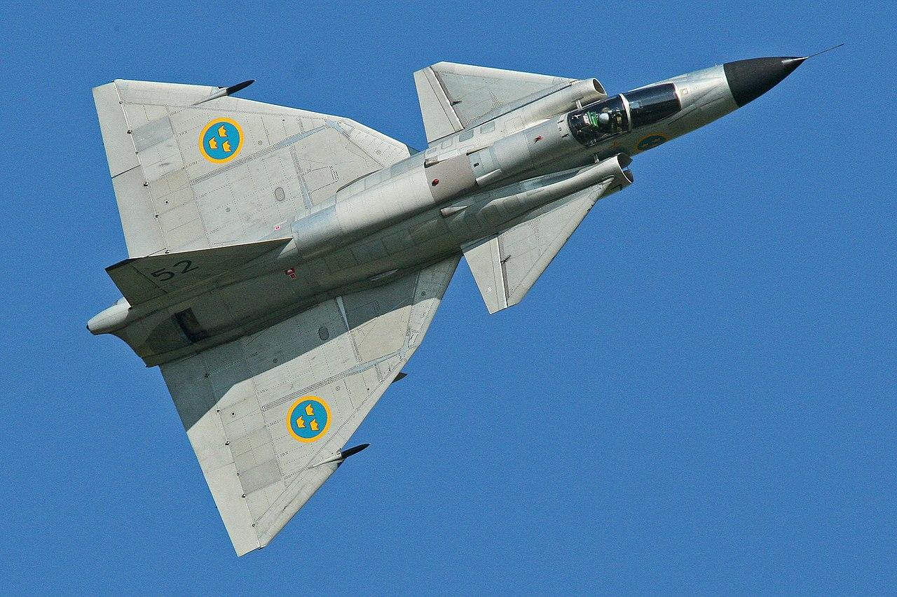 1280px-Saab_AJS-37_Viggen_37098_52_%28SE-DXN%29_%289256079273%29.jpg