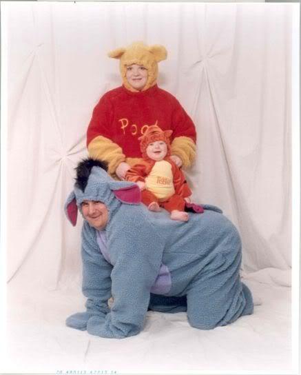 1614creepy-pooh-bear-family.jpg