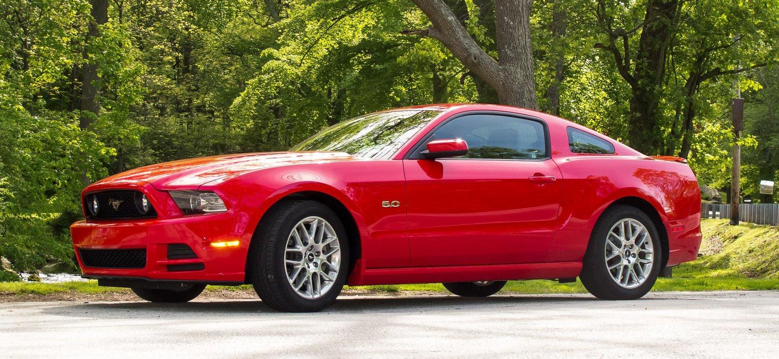 2014 Mustang GT  OEM Wheels.jpg