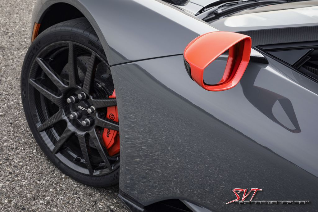 2019_Ford_GT_Carbon_007.jpg