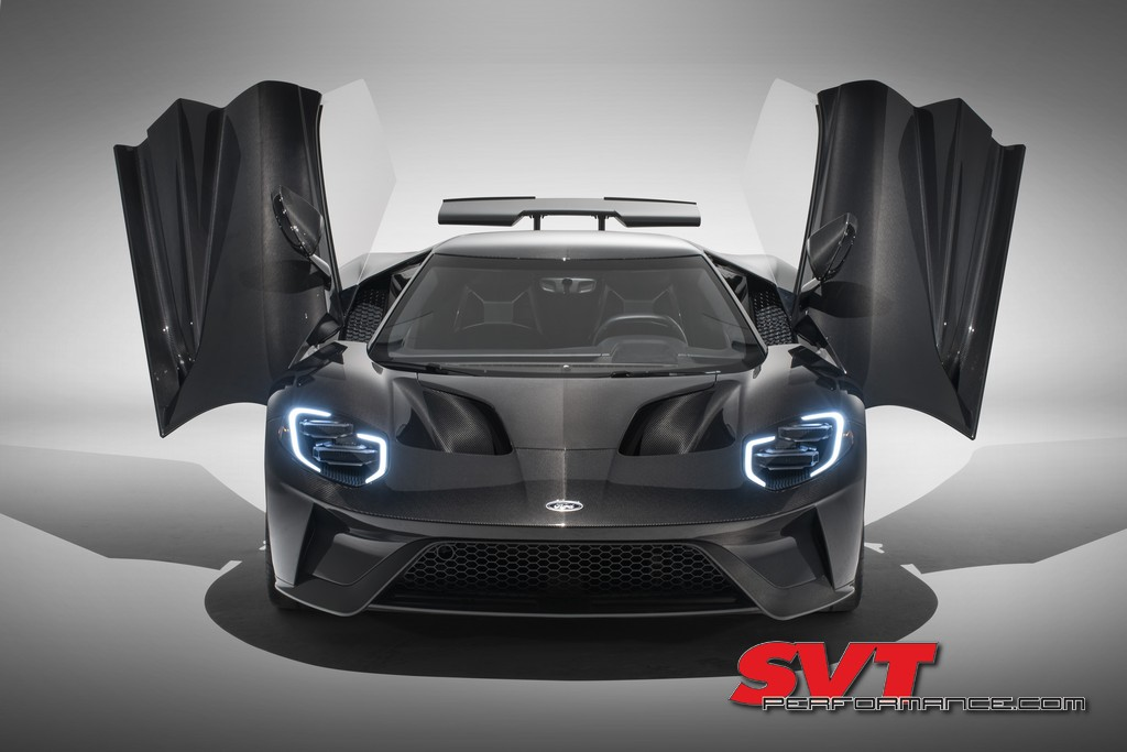 2020_Ford_GT_Carbon_003.jpg