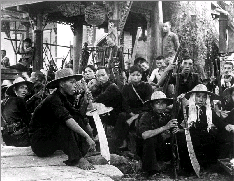 against-the-japanese-armed-with-big-swords-as-well-as-rifles-rest-near-canton-everett-collection.png