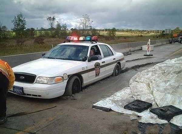 extremely-funny-car-accident04.jpg
