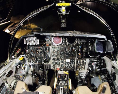 f-111-cockpit.jpg