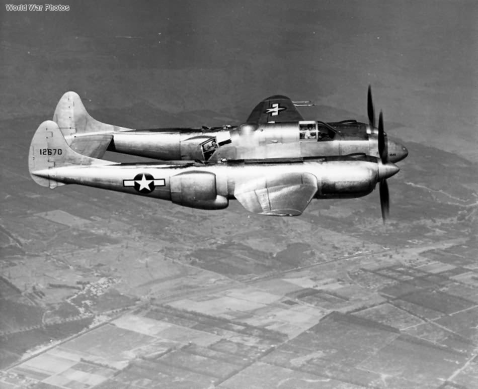 XP-58_41-2670.jpg